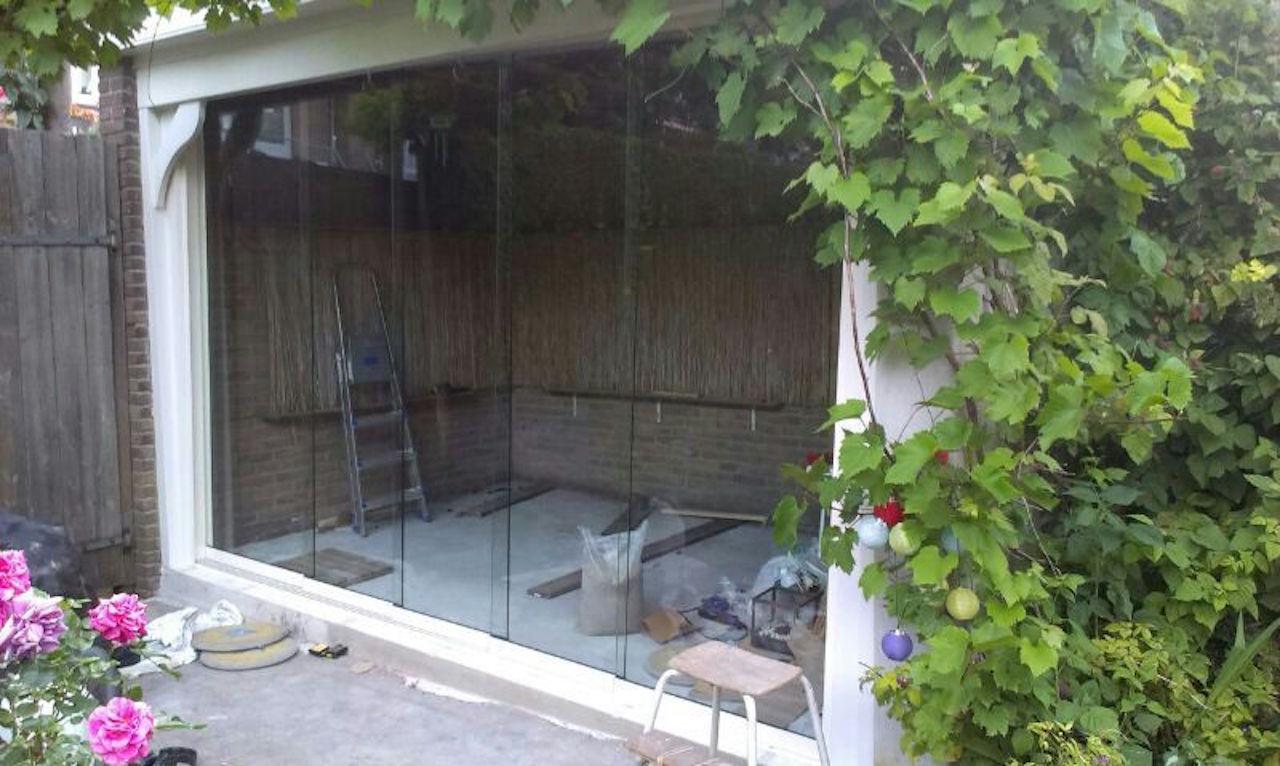 Fiano Glazen schuifwand in bestaande tuinhuis Alkmaar